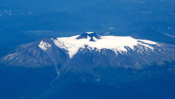 Imagen destacada del volcán Mocho Choshuenco
