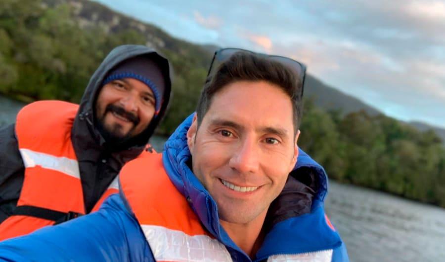 Pancho Saavedra y el catador en la Ruta Chonos