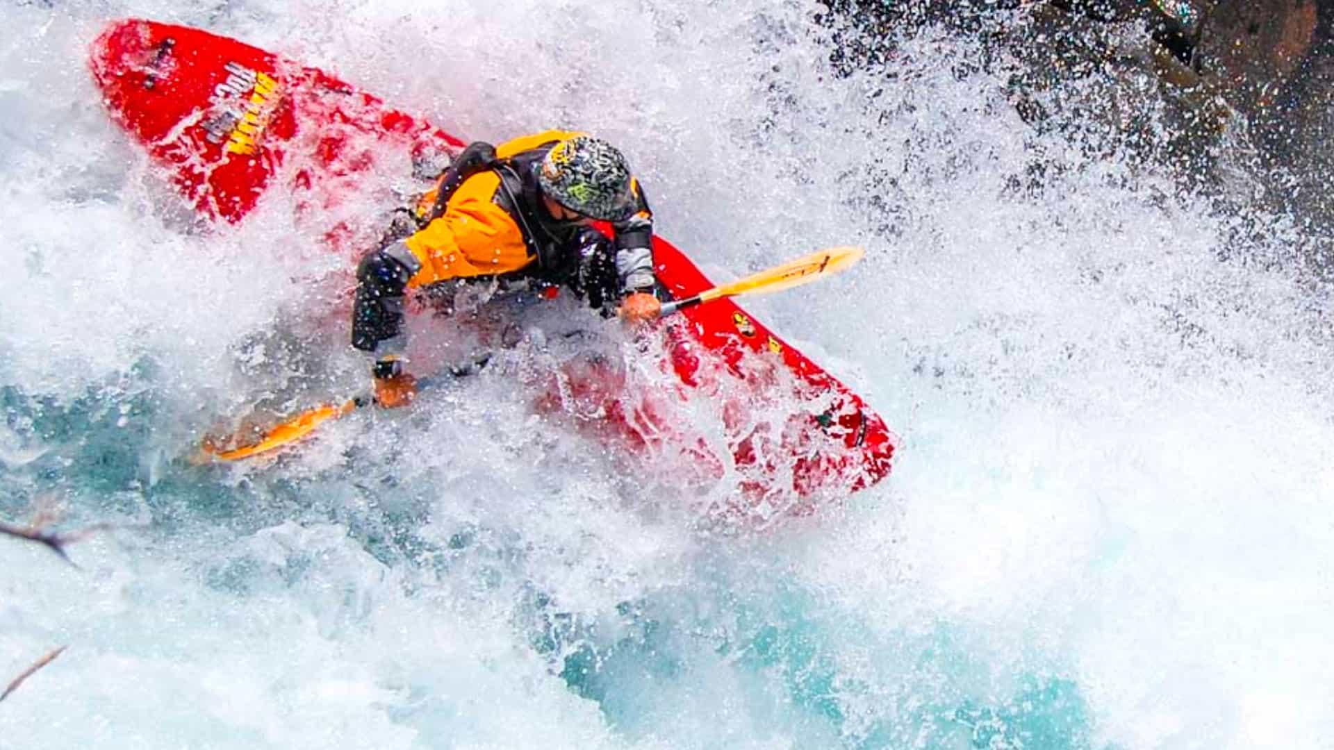 Kayak en el Río Trancura